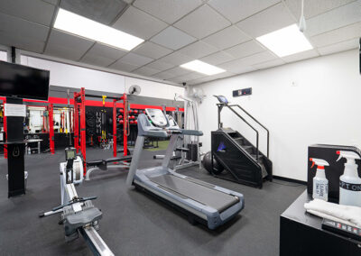 Treadmill and exercise equipment at No Limit PT