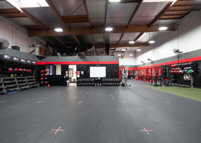 Tour of No Limit PT's weight lifting area